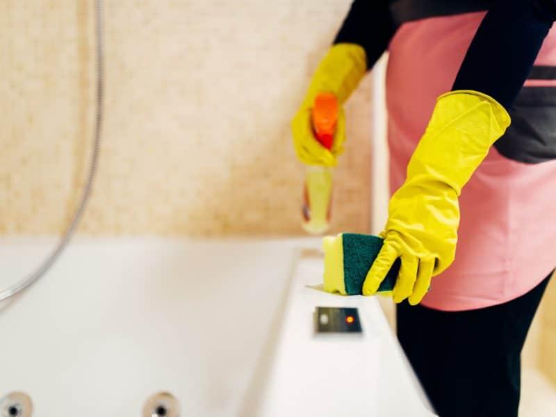 Différents conseils pour nettoyer la baignoire