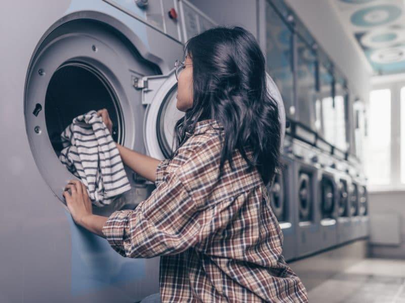 Les conseils de grand-mère pour économiser pendant la lessive
