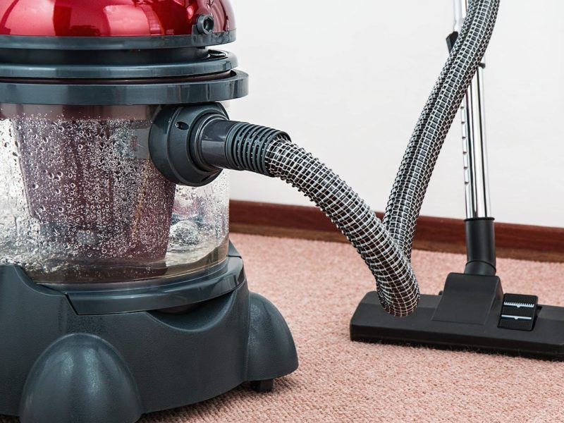 Comment bien nettoyer ses sols après des travaux de peinture?