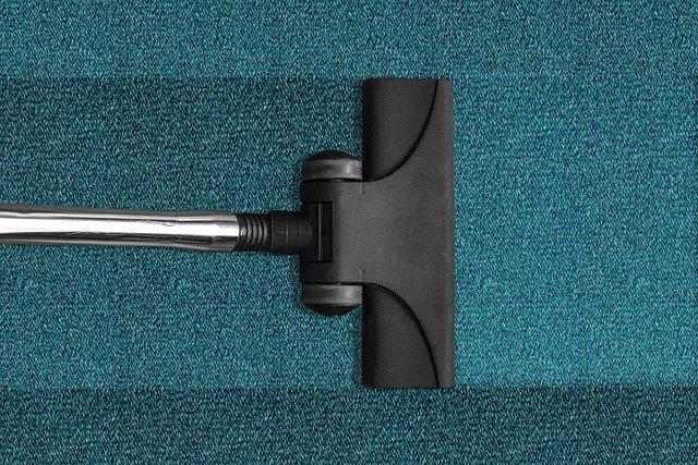 Comment faire un bon nettoyage maison avec un aspirateur balai ?
