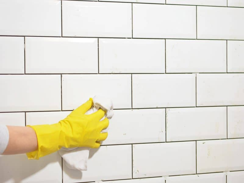 Comment nettoyer les Joints de Carrelage avec un Nettoyant Maison ?