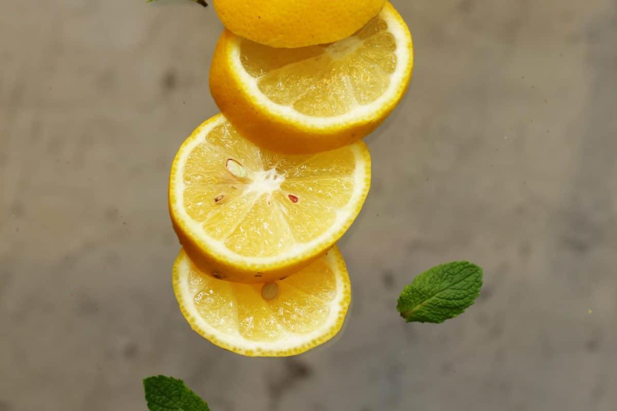 Comment détartrer la robinetterie avec du citron ?